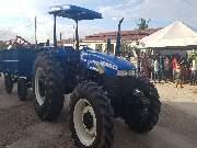 Governo entrega trator para agricultores familiares do município Cansanção