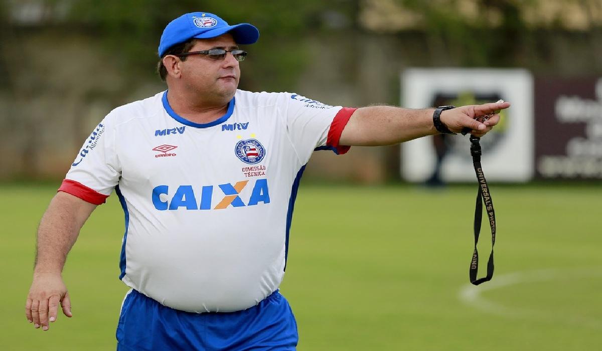 Guto dirigiu a equipe baiana em 55 jogos, com 30 triunfos, 14 empates e 11 derrotas, acumulando 63% de aproveitamento.