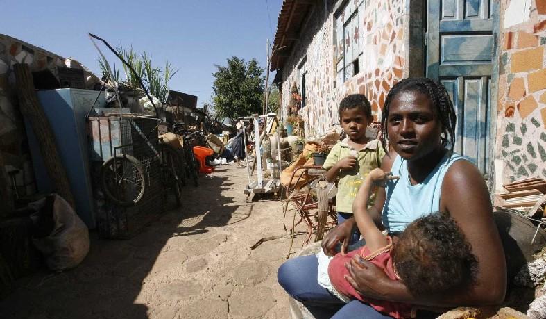 Ministério da Saúde aponta o vírus da zika e a crise econômica como principais vilões