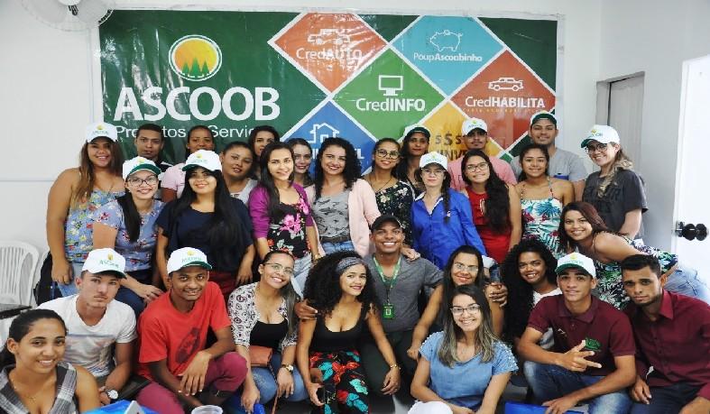 Formação beneficia 40 jovens com idade de 18 a 29 anos de onze cidades