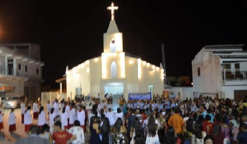 Após a precisão, houve missa solene presidida pelo padre Alexandre Aquino