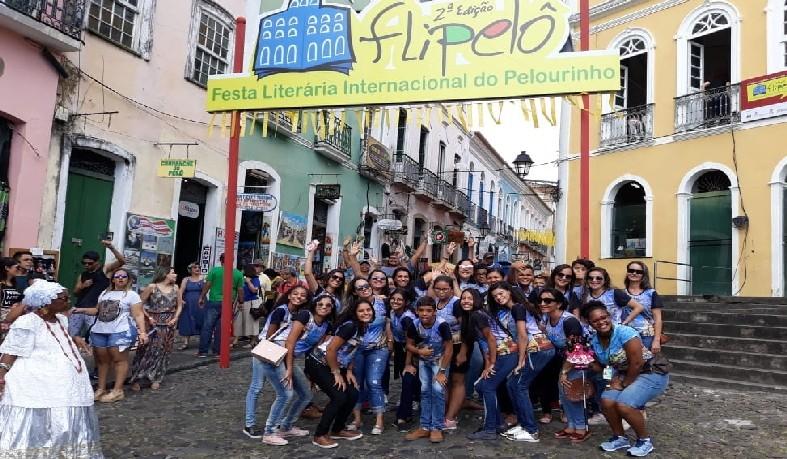 'Flipelô', evento literário que começou na quarta (08) e segue até este domingo (12) na capital baiana.