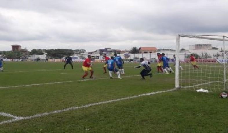 A partida marcou a abertura da competição amadora.