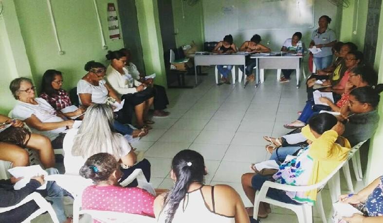 A reunião teve como proposito discutir e refletir sobre as ações desenvolvidas pelos empreendimentos femininos