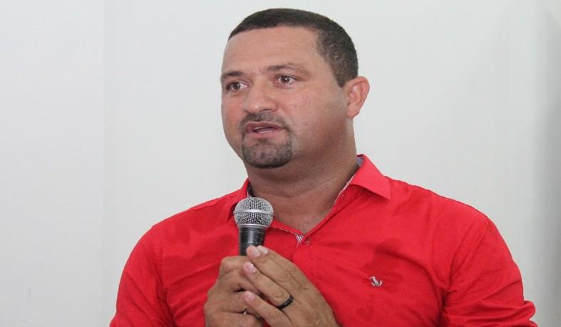 Osni Cardoso Araújo, deverá ressarcir os cofres municipais na quantia de R$470.815,20, com recursos pessoais.