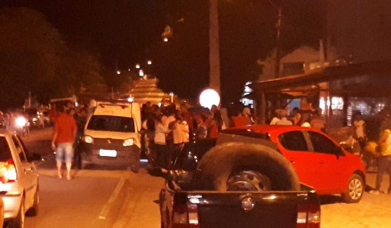 O acidente ocorreu  próximo ao cruzamento entre a rodovia e a rua Rio Branco.