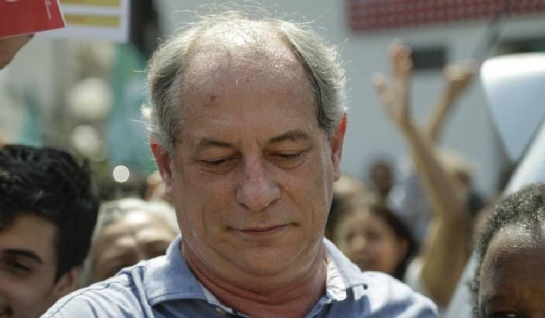 Ciro Gomes participa de atividade de campanha em Duque de Caxias