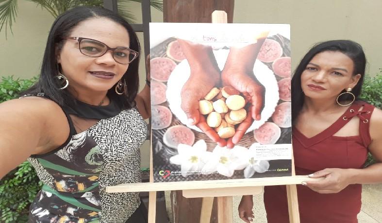 Estiveram na cerimônia de premiação a produtora Lilia de Jesus Santos e a técnica Valmira Santos.