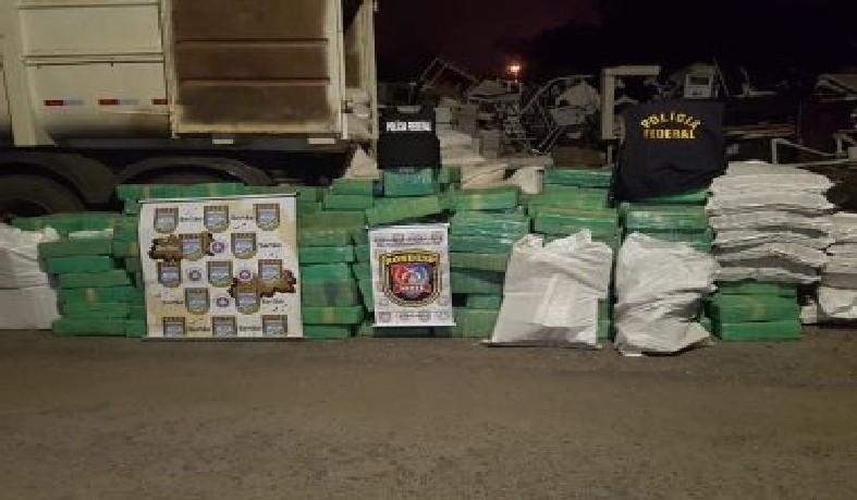 O motorista disse que a droga vinha de Mato Grosso e seria entregue a um traficante de Feira de Santana