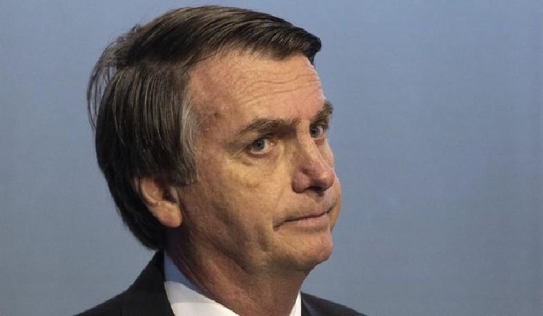 De acordo com o G1, os profissionais disseram que Bolsonaro perdeu 15 quilos de massa muscular e ainda está fraco.
