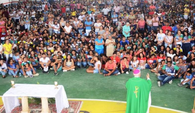 Multidão formada principalmente por jovens mostrou a força do catolicismo de toda região.