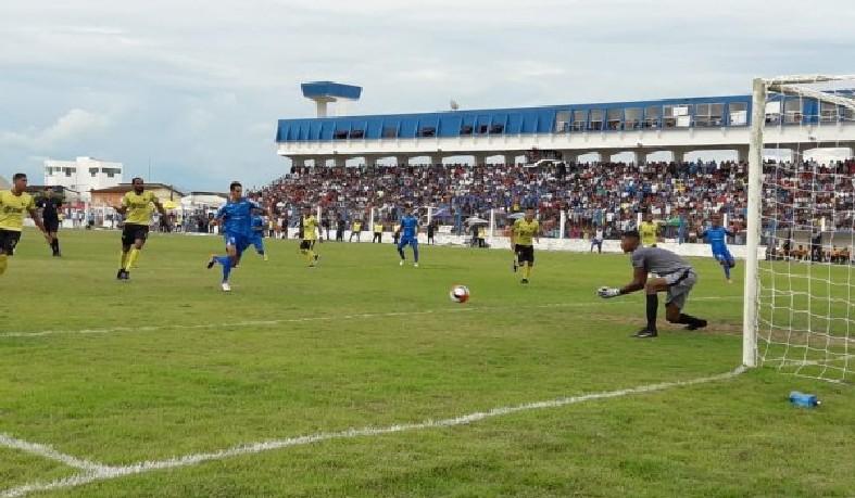 Em Itamaraju, a torcida lotou o estádio e viu Santo Amaro devolveu o placar de 1 a 0 do primeiro jogo com gol de Iltinho.