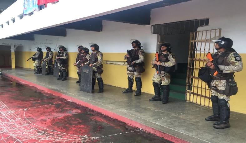 Operação transfere 24 detentos para Serrinha