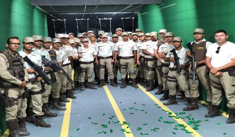 curso foi sob orientações do capitão Charles – instrutor de tiro – Comandante da 5ª Companhia do 16º BPM