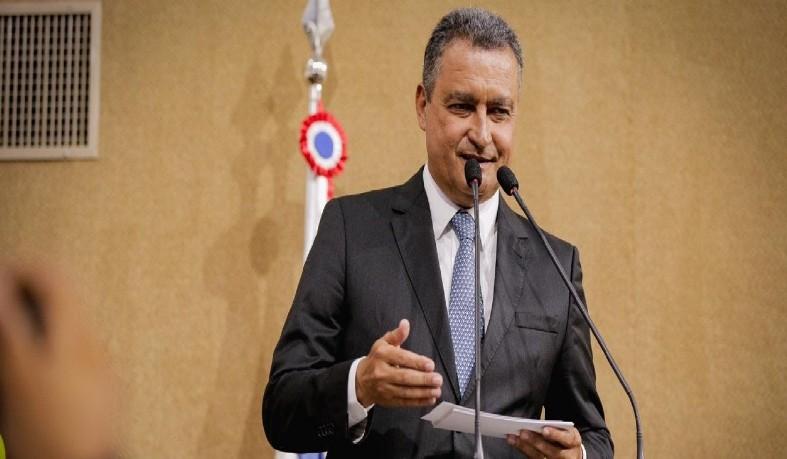 A economia também foi um tema abordado no discurso do governador.