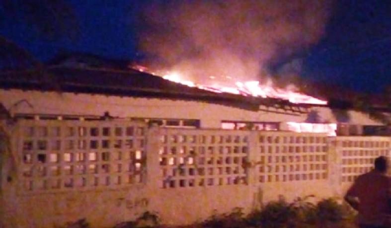 Escola é alvo de incêndio em Rodelas, no norte da Bahia