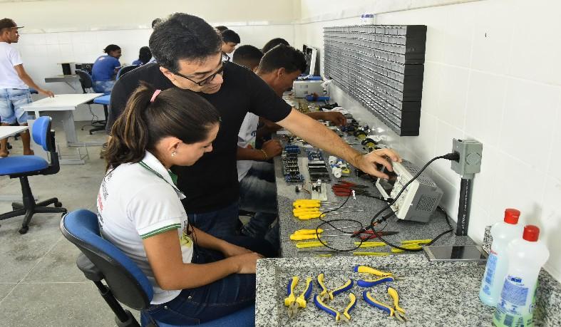 Estado abre inscrições para 10 mil vagas da Educação Profissional