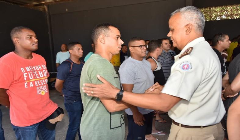 A tropa foi recepcionada pelo comandante geral, coronel Anselmo Brandão, no Batalhão de Choque, em Lauro de Freitas