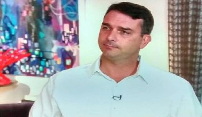 Flávio começou na vida pública em 2002, tendo como único bem na época um veículo Gol 1.0, segundo sua declaração de bens.