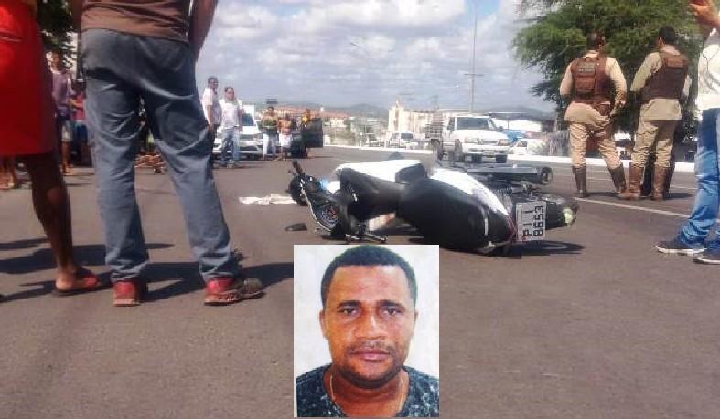 Ele estava com a esposa, que caiu da moto e foi socorrida pelo Samu para um hospital.