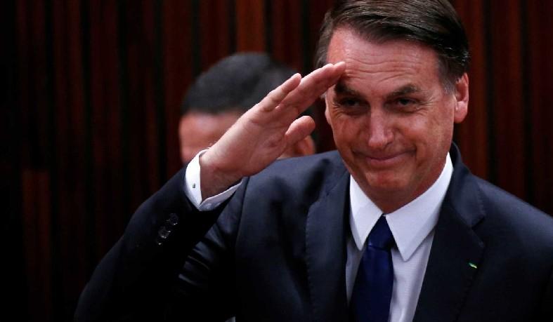 Bolsonaro determina inclusão de militares na reforma da Previdência