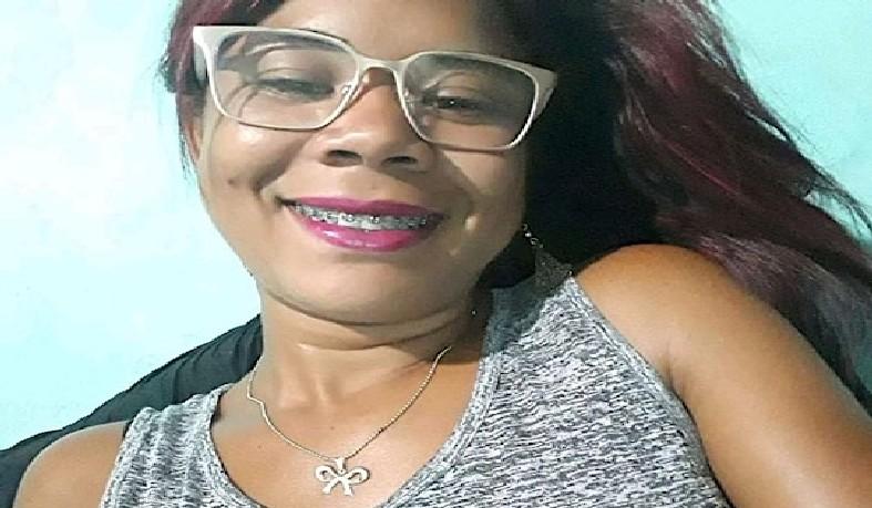 Sheila Santos do Nascimento, 22 anos