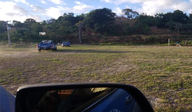 Flagrante aconteceu no bairro de Cassange, no final da tarde de sábado (16); autores são procurados