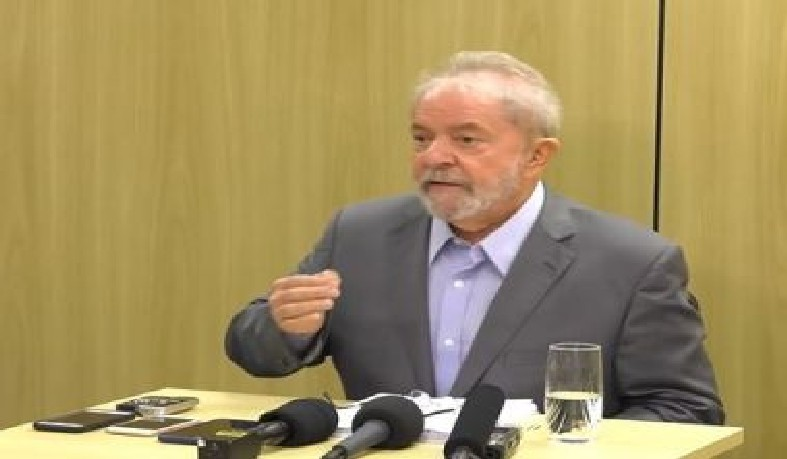 Ex-presidente comentou sobre sua prisão e novo governo
