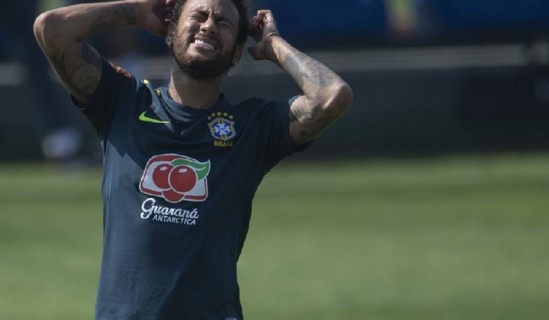 Atacante da Seleção é acusado de estupro; ele afirma que é vítima de extorsão