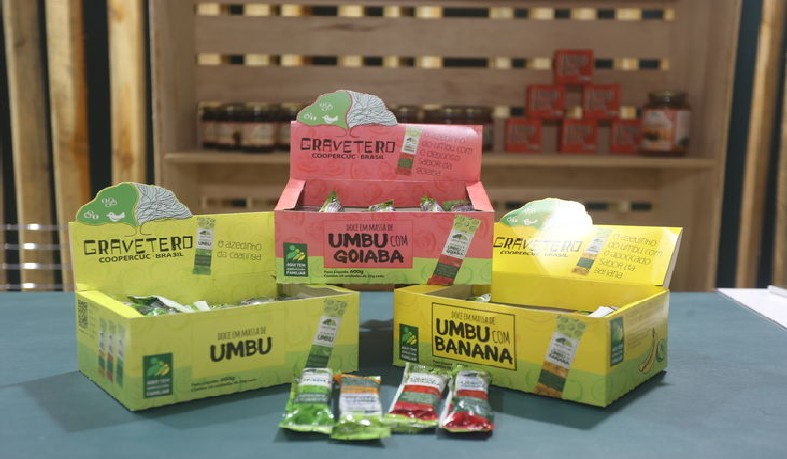 As barrinhas nos sabores umbu e banana, umbu e goiaba e umbu tem 25 gramas