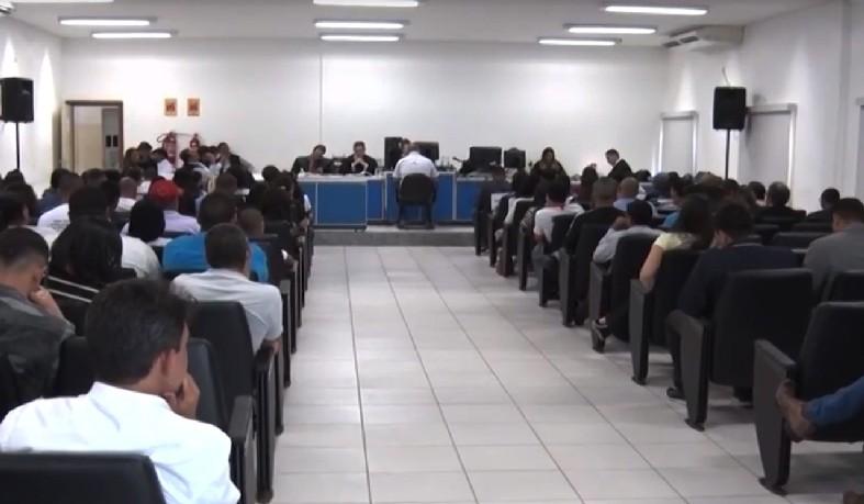 Júri de policiais apontados por matar comerciante em 2010, na cidade de Teixeira de Freitas