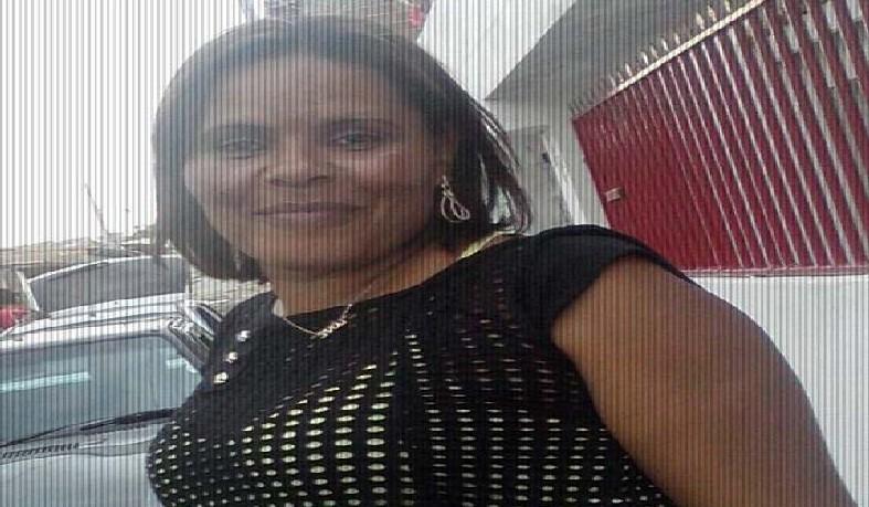 Mulher é morta a tiros e filho fica ferido em Serrinha