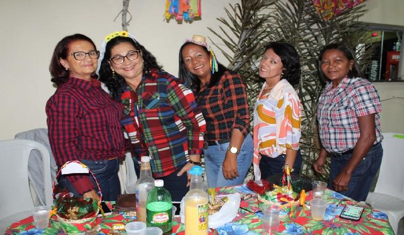 Evento reuniu servidores das redes municipal e estadual de Santaluz.