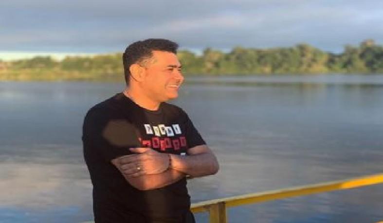 Ex-cantor da banda Limão com Mel sofre acidente de carro: 'Foi um livramento de Deus'