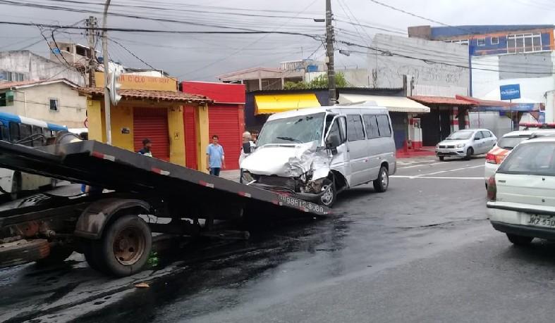 Caso ocorreu na Avenida Dorival Caymmi, no início da manhã desta quarta-feira (19)