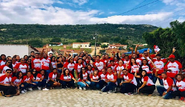 Voluntários do projeto em Tapinha, Santaluz.