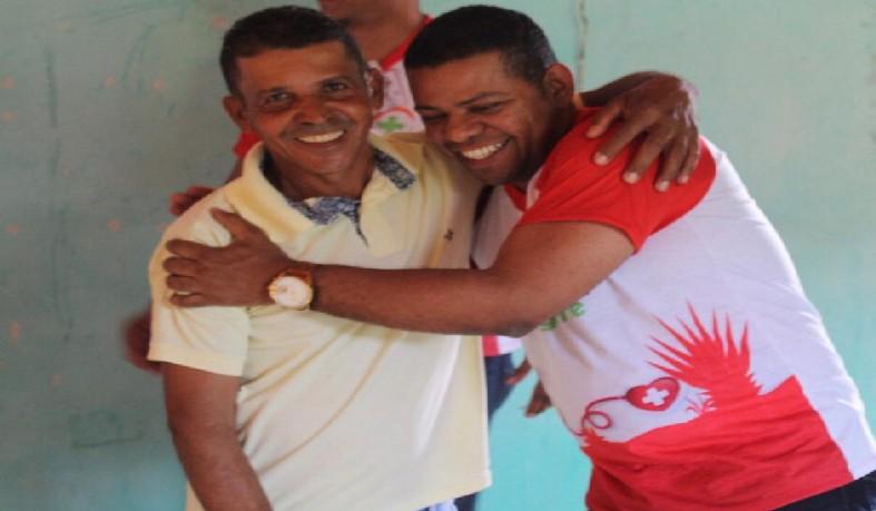 Arismário Barbosa Júnior [ à esquerda]