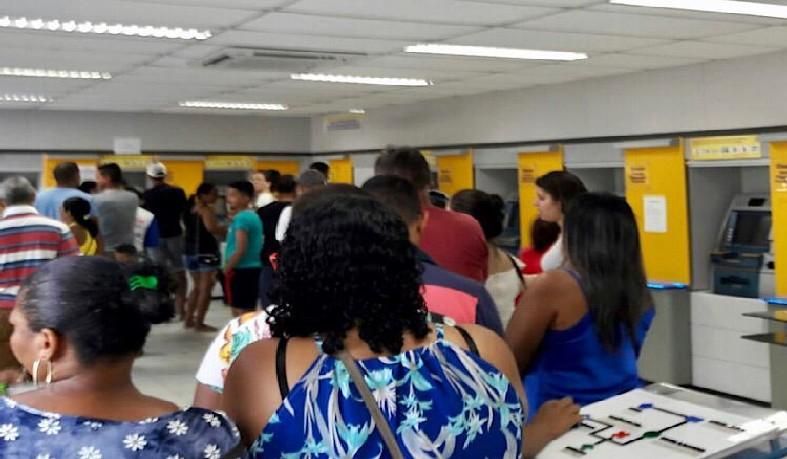 Agência do Banco do Brasil de Santaluz, na manhã deste sábado (31)