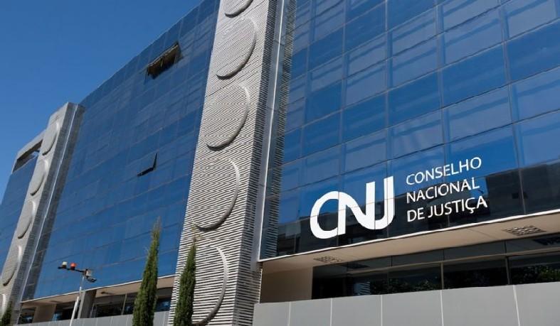 Plenário instaurou processo administrativo para apurar as possíveis infrações. Segundo CNJ, investigados interferiam em processos chegando a assediar colegas.