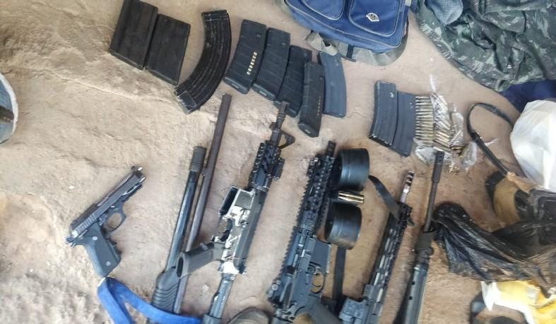 Armas apreendidas durante a ação que terminou com 6 mortos