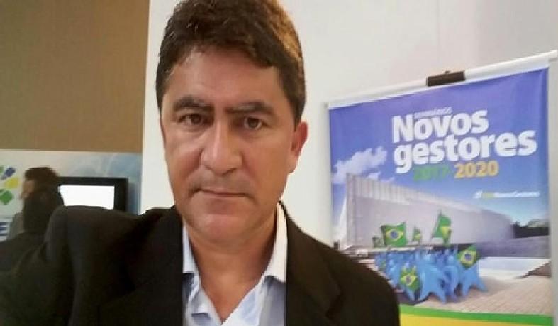 Prefeito de Valente Marcos Adriano.