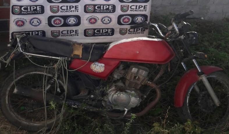 Moto estava sem placa e com número de chassi ilegível