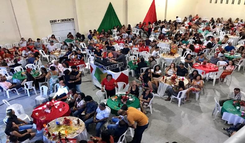 Confraternização de fim de ano reúne filiados da APLB em Santaluz