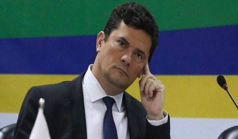 Após a iniciativa do ex-juiz de deixar o ministério da Justiça, Bolsonaro tenta reverter a decisão