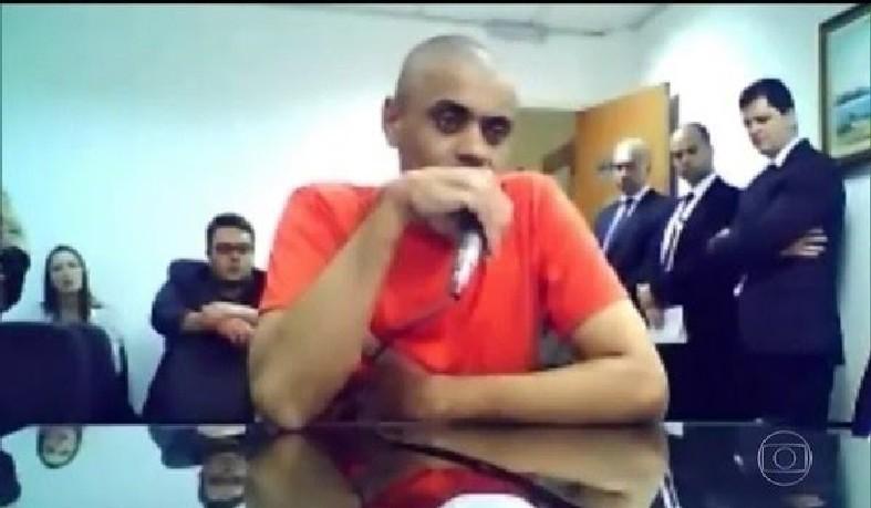 Agressor de Bolsonaro, Adélio Bispo, tem doença mental, dizem peritos da Justiça