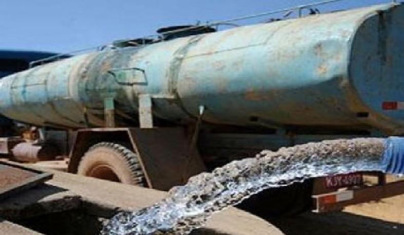 O documento aponta que a iniciativa envolve cerca de 7.000 veículos, que levam água para 79 mil pontos de abastecimento e cisternas coletivas.