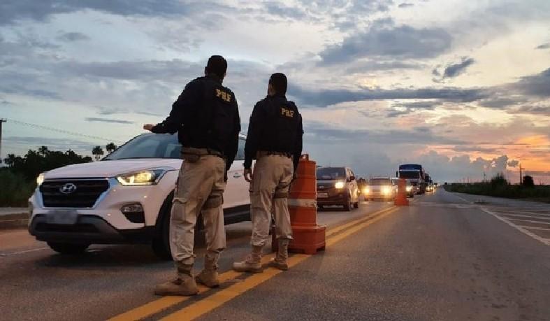 Números foram contabilizados entre sexta-feira (30) e o dia 2 de novembro. No período, oito motoristas foram detidos após serem flagrados dirigindo embriagados.
