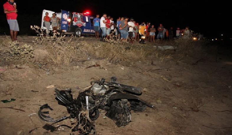 Duas pessoas morrem em acidente na BA-120, em Conceição do Coité