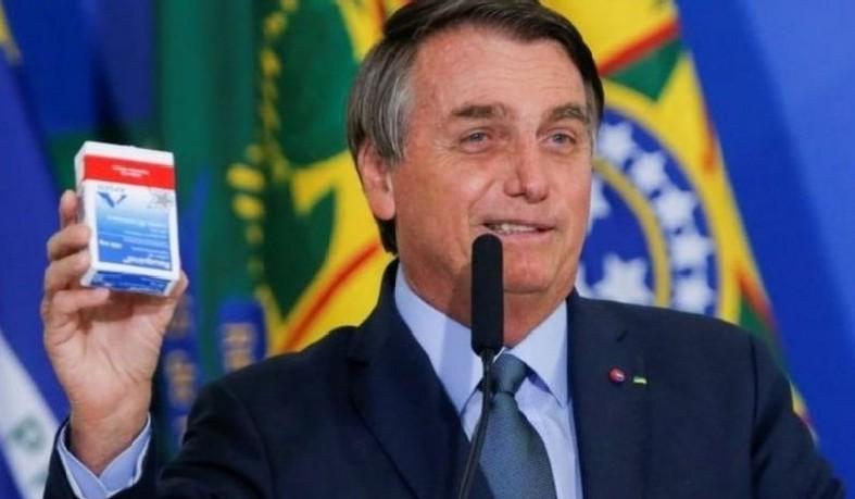 Medicamentos sem eficácia comprovada contra a Covid-19 continua sendo prescrito por alguns médicos e propagandeado pelo presidente Jair Bolsonaro.