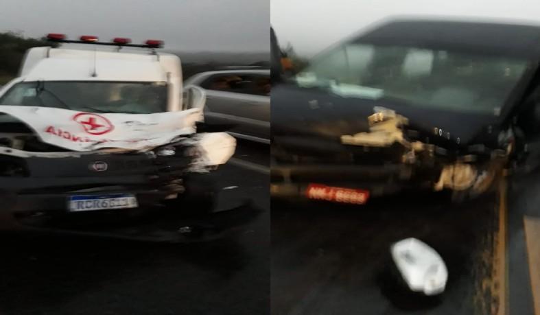 Ambulância de Santaluz colide em Van